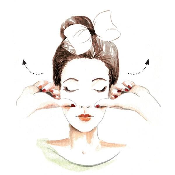 Bật mí cách massage mặt thon gọn để sở hữu làn da em bé