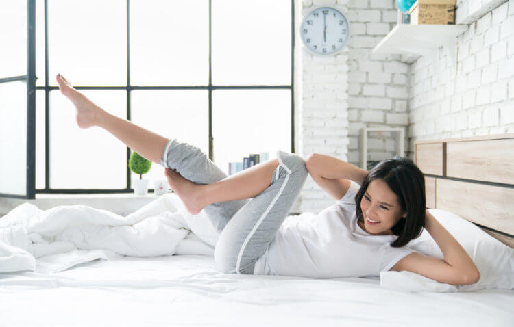 cách các bài tập thể dục trên giường giúp giảm béo mỡ bụng ngay trên giường