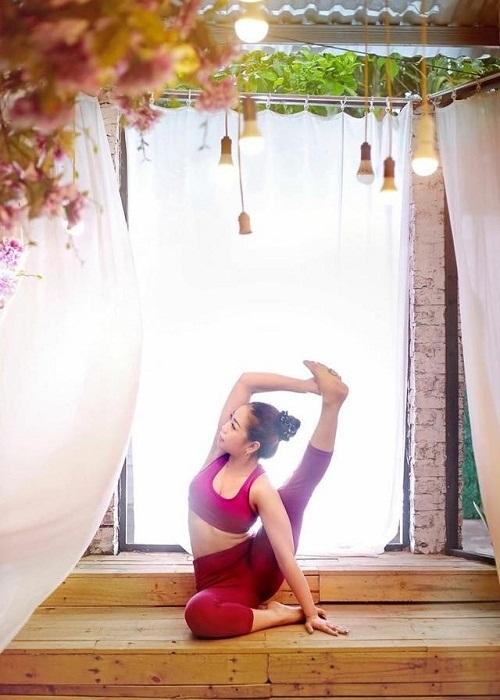 bài tập yoga giảm mỡ bụng và đùi