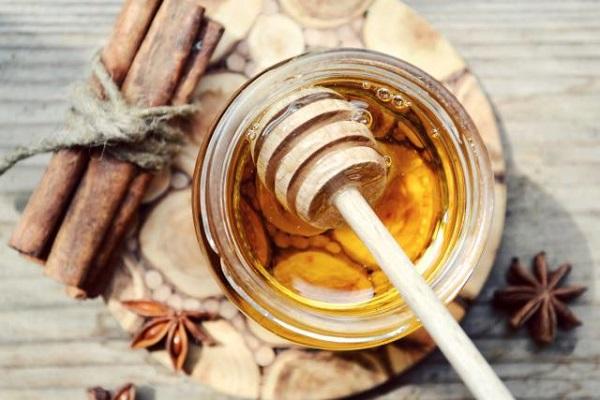 uống mật ong buổi sáng giảm cân