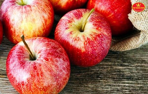 Ăn táo giảm mỡ đùi