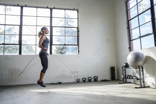 nhảy dây giảm mỡ bụng dưới, nhảy dây có giúp giảm cân nhanh trong 1 tuần không webtretho, giáo án giảm cân bằng nhảy dây đúng cách