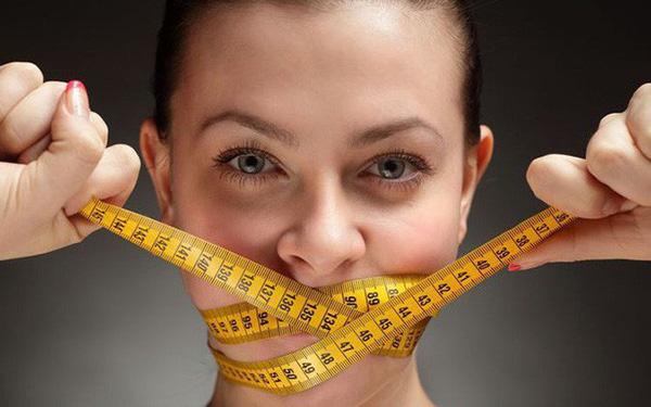Tại sao nhịn ăn vẫn không giảm cân