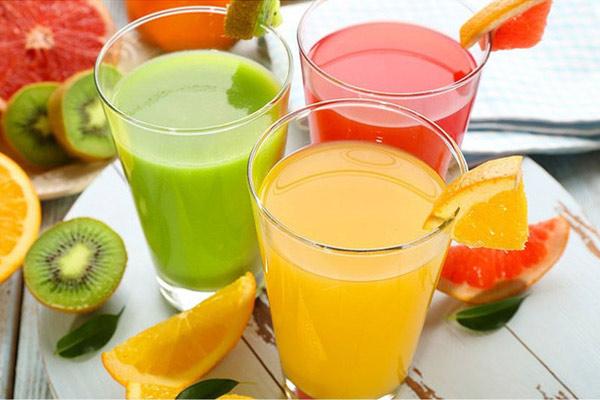Các loại nước ép uống buổi sáng giảm cân