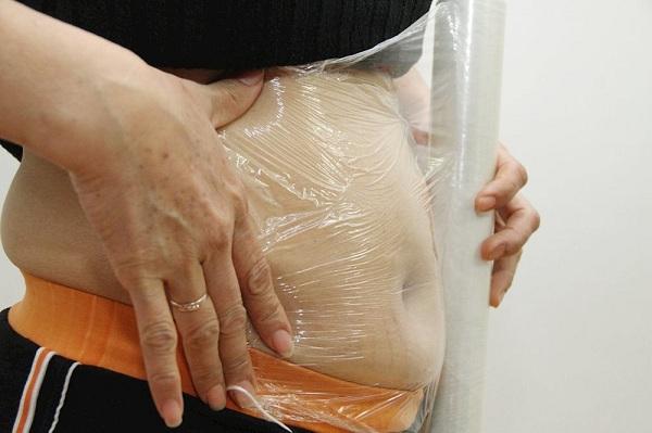 cách giảm mỡ bụng bằng màng bọc thực phẩm, giảm mỡ bụng bằng giấy bọc thực phẩm, giảm mỡ bụng bằng màng bọc thực phẩm, giảm mỡ bụng bằng quấn màng bọc thực phẩm, giảm mỡ bụng bằng bọc thực phẩm