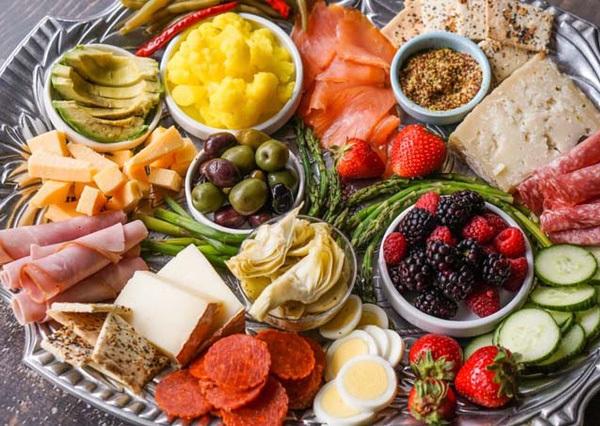 Có rất nhiều lựa chọn thực phẩm khi xây dựng thực đơn giảm cân không tinh bột