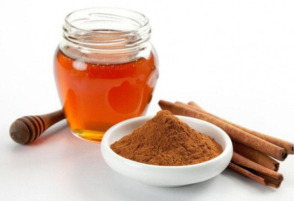 Cách uống mật ong trước khi ngủ giảm cân và bột quế giảm cholestrol trong máu