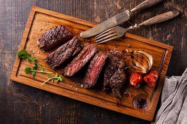 ăn thịt bò nướng nhiều có béo không