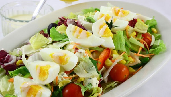 ăn nhiều trứng gà luộc buổi tối đêm có tốt cho người mập không, Ẳn trứng gà luộc buổi tối có béo không, ăn trứng gà buổi tối có tốt không