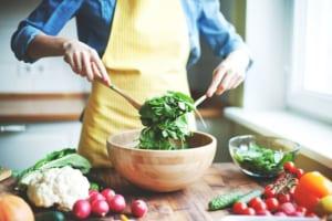 """Cách làm salad rau trộn giảm cân """"đánh bay"""" mỡ thừa"""