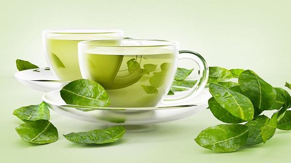 Sử dụng xe kẽ trà xanh vào buổi sáng lúc ngủ dậy là cách giảm mỡ bụng tại nhà không dùng thuốc vừa kinh tế lại tốt cho sức khỏe nữa