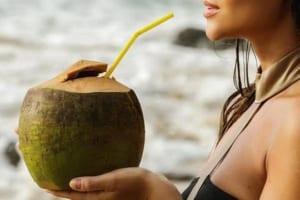 Nước dừa chứa bao nhiêu calo | Tác dụng thần kì của nước dừa bạn không thể bỏ qua