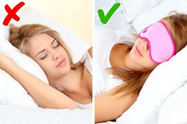Bịt mắt khi đi ngủ- phương pháp tư thế ngủ giảm cân giúp giấc ngủ ngon hơn