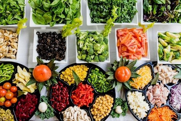 Chế độ ăn giảm mỡ bụng cho nam bổ sung nhiều rau và chất xơ