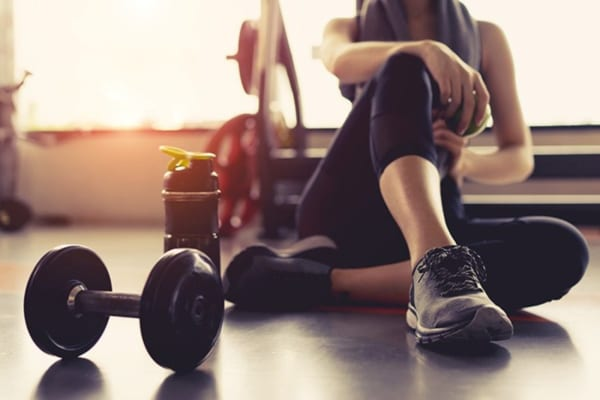 tập tạ có giảm mỡ bụng không
