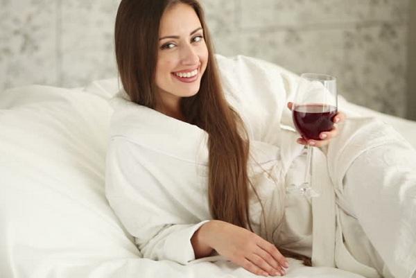 rượu vang giảm cân, uống rượu vang giảm cân, rượu vang giúp giảm cân, rượu vang đỏ giúp giảm cân, tác dụng của rượu vang giảm cân, vang trắng giảm cân