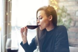 Uống rượu vang giảm cân liệu có thần kì như lời dân mạng đồn thổi