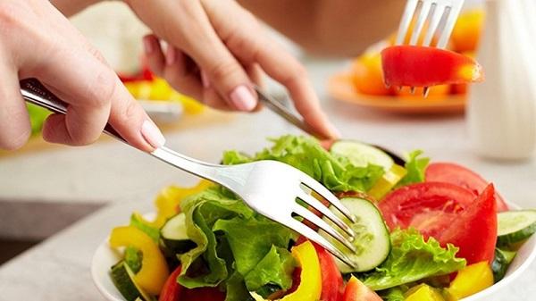 ăn nhạt giảm cân, ăn nhạt có giảm cân không, không ăn muối giảm cân, thực đơn ăn nhạt giảm cân